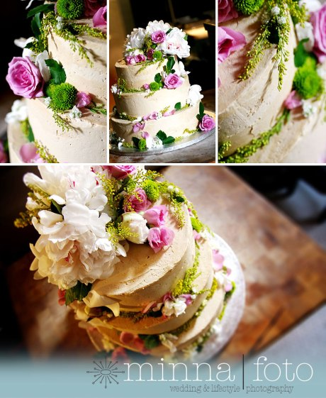 flowery wedding cake
